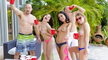 Mega hot BFFS Spring Break babes Jennifer Jacobs, Vienna Black and Raylin Ann