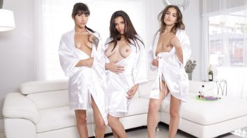Spa Day Kitty Carrera Sofie Reyez and Gabriela Lopez